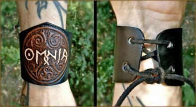 """""""Coloured"""" OMNIA Leather Wristband"""
