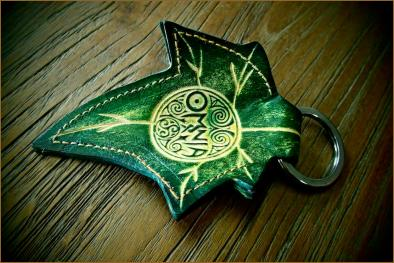 OMNIA Ivy Leaf Keychain (Deluxe)