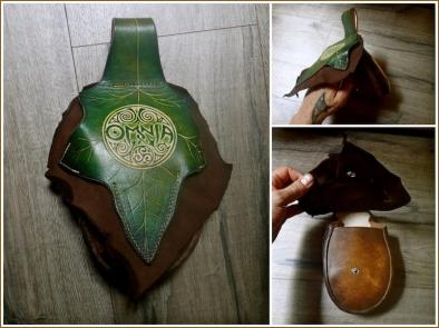OMNIA Ivy Leaf Purse (Deluxe)