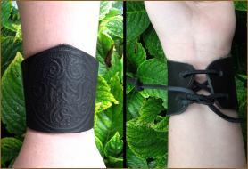 """Black"" OMNIA Leather Wristband"