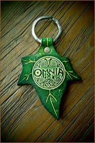 OMNIA Ivy Leaf Keychain